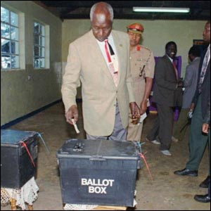 Moi, seen here casting 1000 votes.